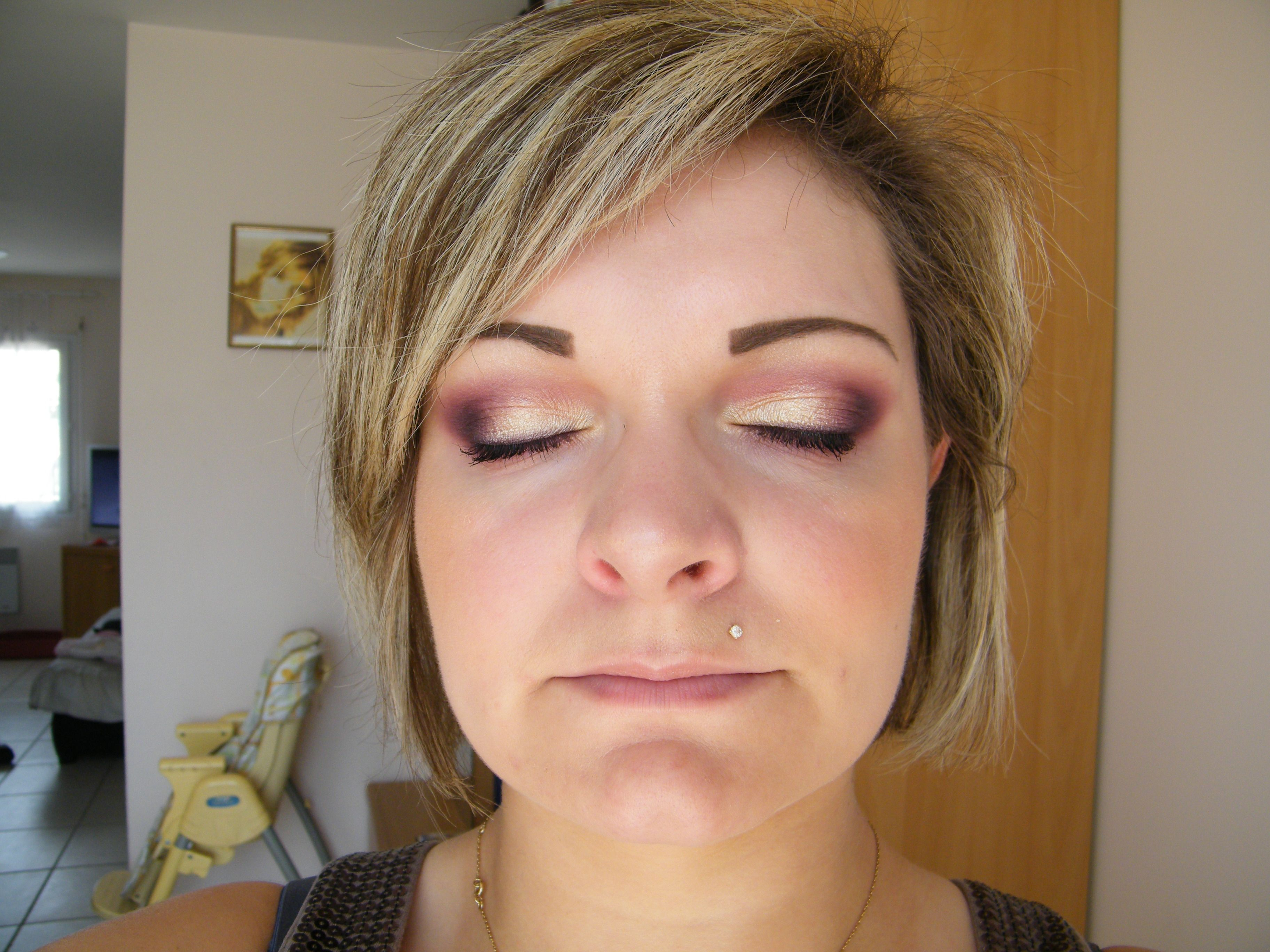 Maquillage nude, prune et violet